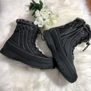EUC Totes Eve black snow boots